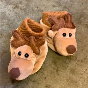 Baby slippers: boy or girl